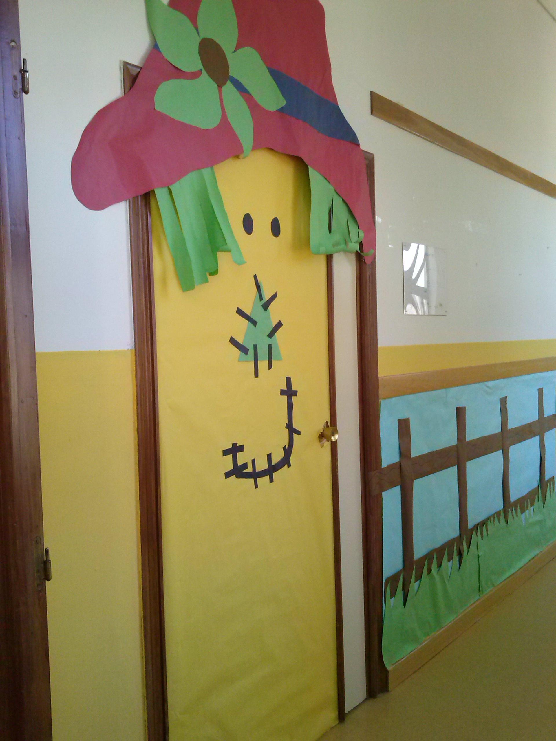 Decoraci n de puertas ceip pablo picasso bonete albacete for Puertas decoradas para el dia del libro
